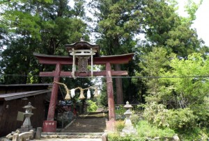 梶並神社参道