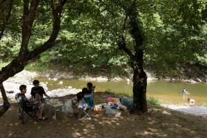 小森キャンプ場ー木陰の憩いー
