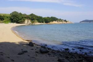 前島ビーチ