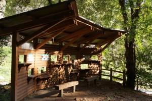 鳴滝森林公園キャンプ場ー野鳥観察小屋ー