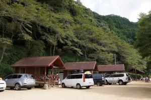 湯の瀬温泉郷キャンプ場ーバンガローー