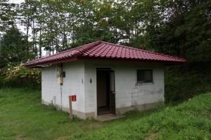 大芦高原キャンプ場ートイレ棟ー