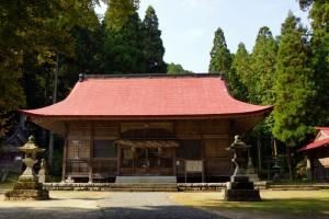 拝殿ー茅部神社ー