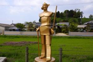 吉備の大王像