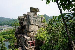 石畳神社磐座
