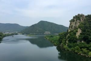 高梁川と磐座ー石畳神社ご神体ー