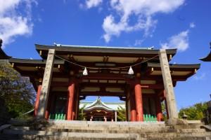 鴻八幡宮神門
