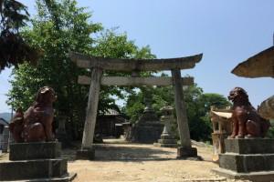 狛犬・鳥居ー鯉喰神社ー
