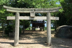 矢喰神社参道
