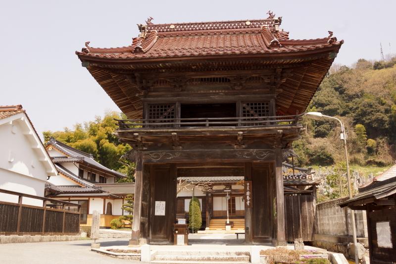 安養寺山門