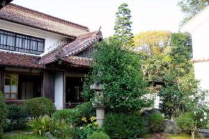 西江邸 玄関