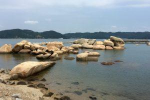 犬島港の石