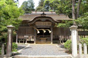 梶並神社拝殿