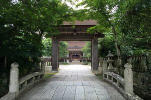 中山神社神門