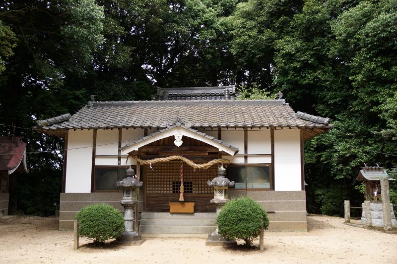 ueyama-shrine-haiden