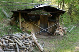 炭焼き小屋ー岡山県自然保護センターー