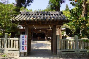 中門ー由加神社ー