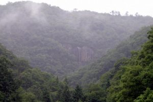 奴久谷大滝遠景