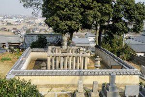 戸川友林の墓地
