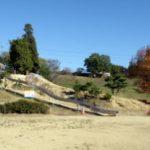 野外ステージ・すべり台ー道の駅「黒井山グリーンパーク」ー