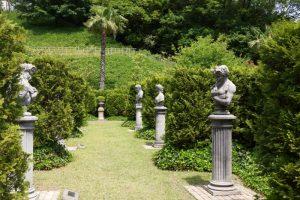 彫刻の回廊ー深山イギリス庭園ー