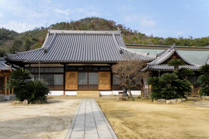 長川寺本堂