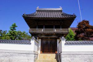 鐘楼門ー本宮山地蔵院ー