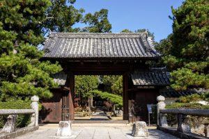 曹源寺総門