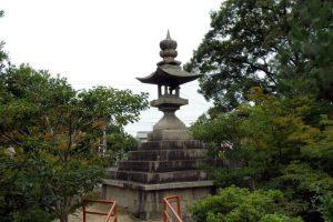 燈籠ー御前神社ー