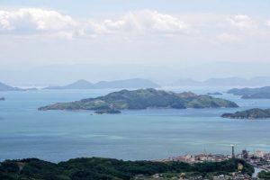 女木島・石島方面ー瀬戸内海国立公園貝殻山よりー