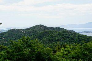 三頂山・八丈岩山方面ー瀬戸内海国立公園貝殻山よりー