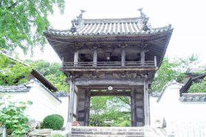鐘楼門ー日応寺ー