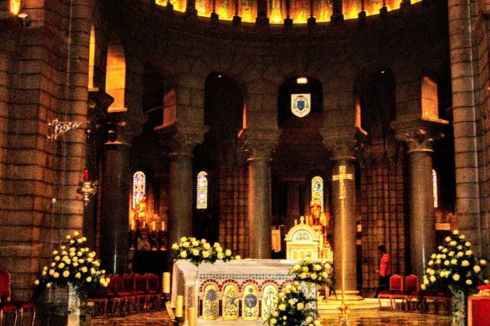 モナコ大聖堂内部