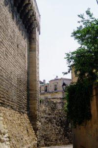 法王庁横の路地