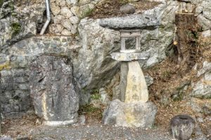地神様と常夜灯ー金刀比羅神社ー