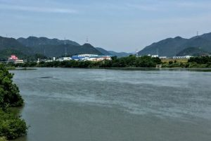 吉井川上流方面ー倉安川吉井水門付近よりー