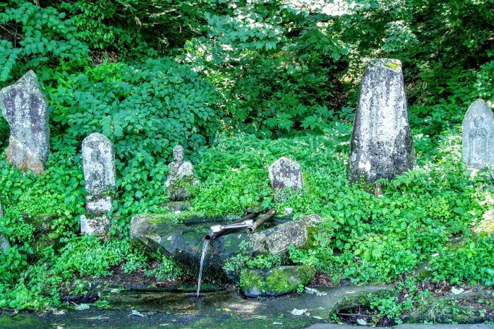 三輪平太の墓と清浄泉