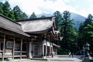 奥宮拝殿と大山ー大神山神社ー