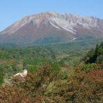 栃原付近より大山を望む