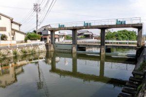 隣接の千町川神崎水門