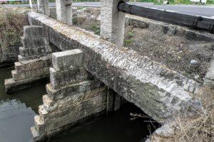 内尾大水門の長尺石材