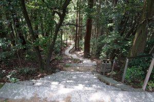 迫龍の階段ー石上布都魂神社ー