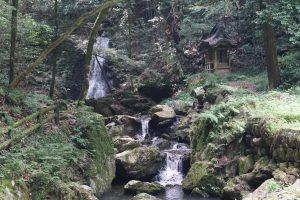 血洗の滝・滝神社