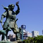 桃太郎像ー岡山駅東口広場ー