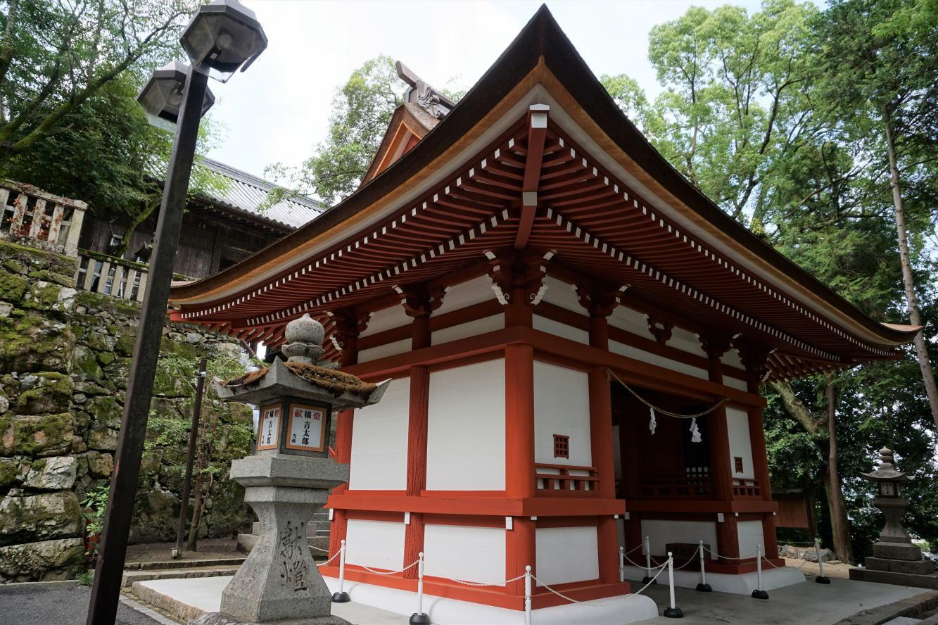 北随神門ー吉備津神社-2