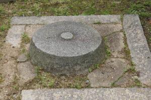 三重塔心礎ー吉備津神社ー