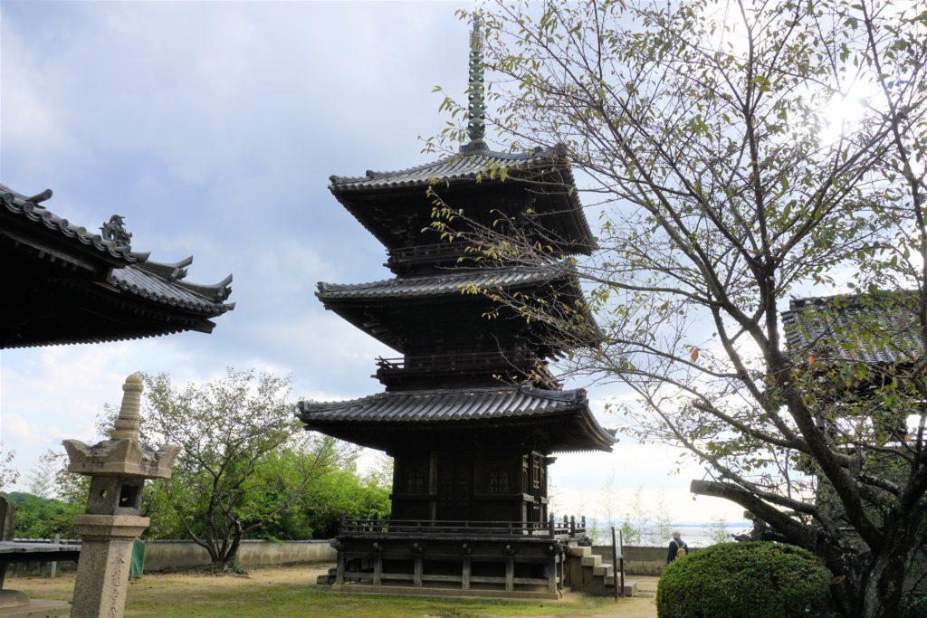 本蓮寺 三重塔