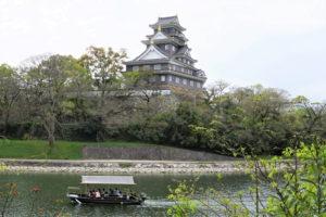 岡山城と烏城水遊舟