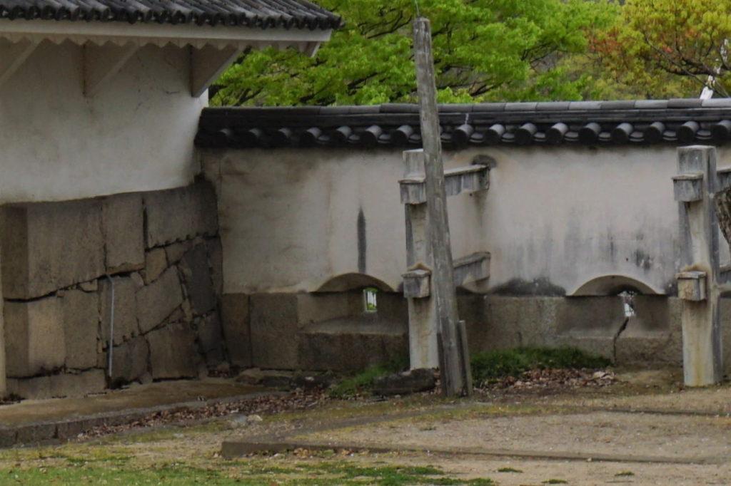 月見櫓脇石狭間-2