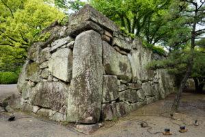 桝形見付けの石垣-2